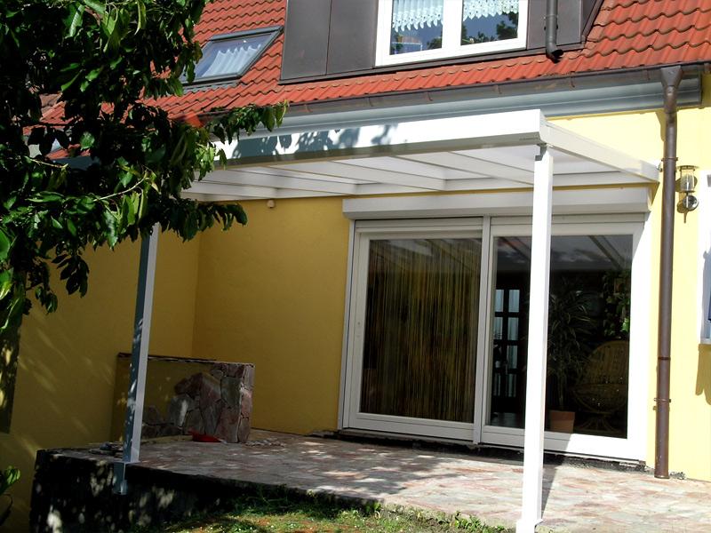 alu terrassenbedachungen carports und vord cher aus hochwertigem. Black Bedroom Furniture Sets. Home Design Ideas